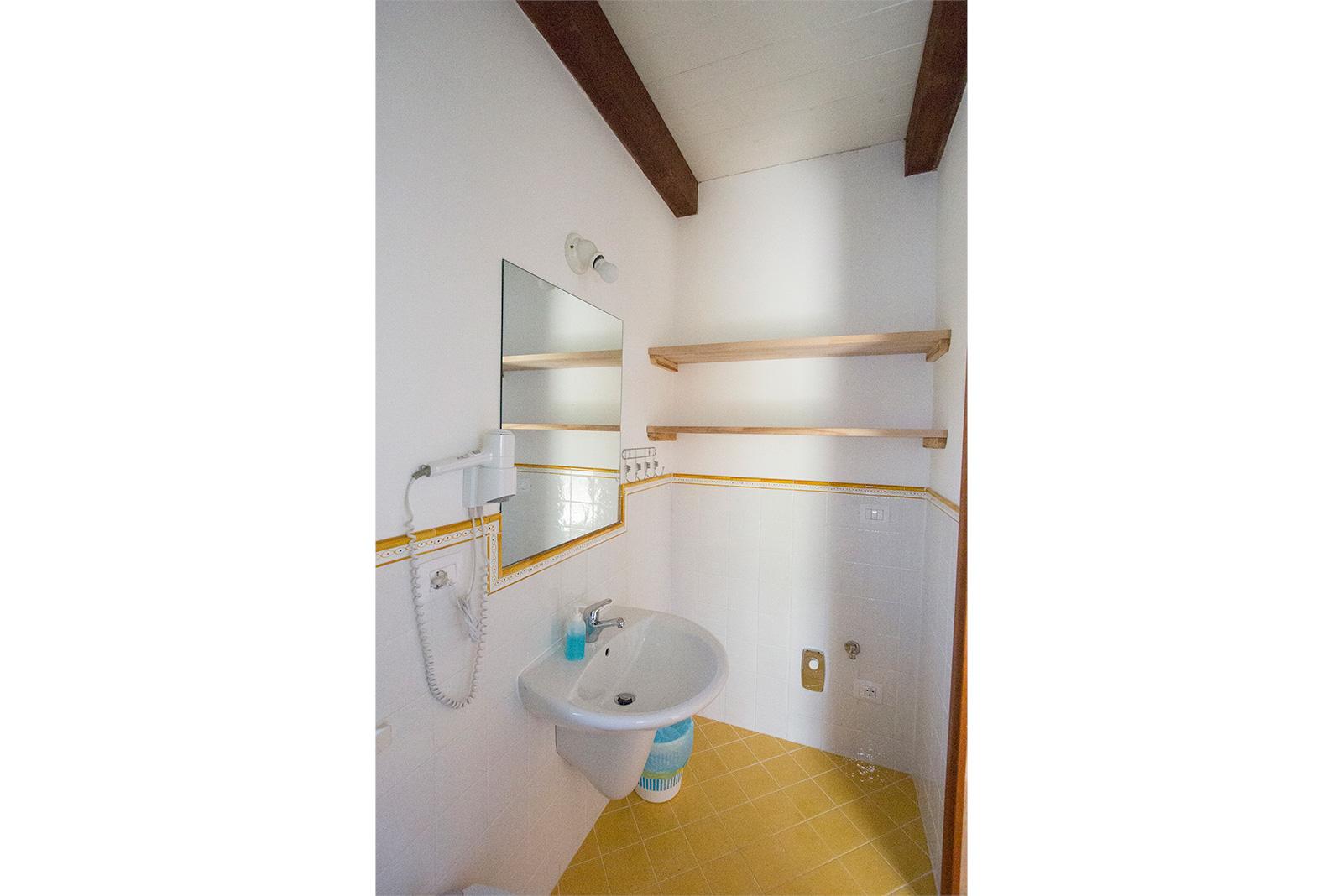 la-sorgente-bagno-inferiore